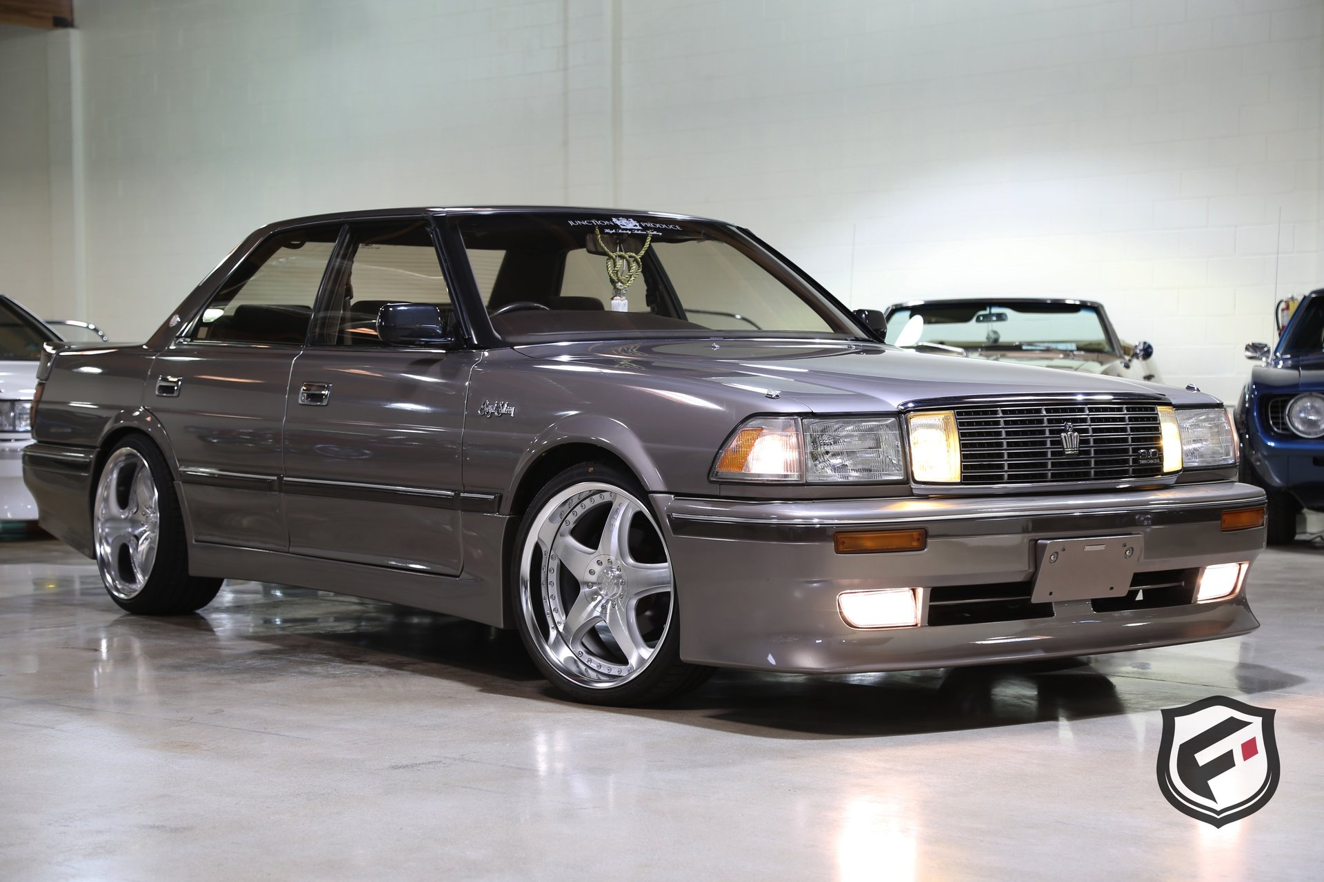1990 Toyota Crown Fusion Luxury Motors
