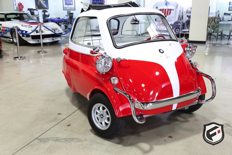 144785de0b963 low res 1957 bmw isetta 300