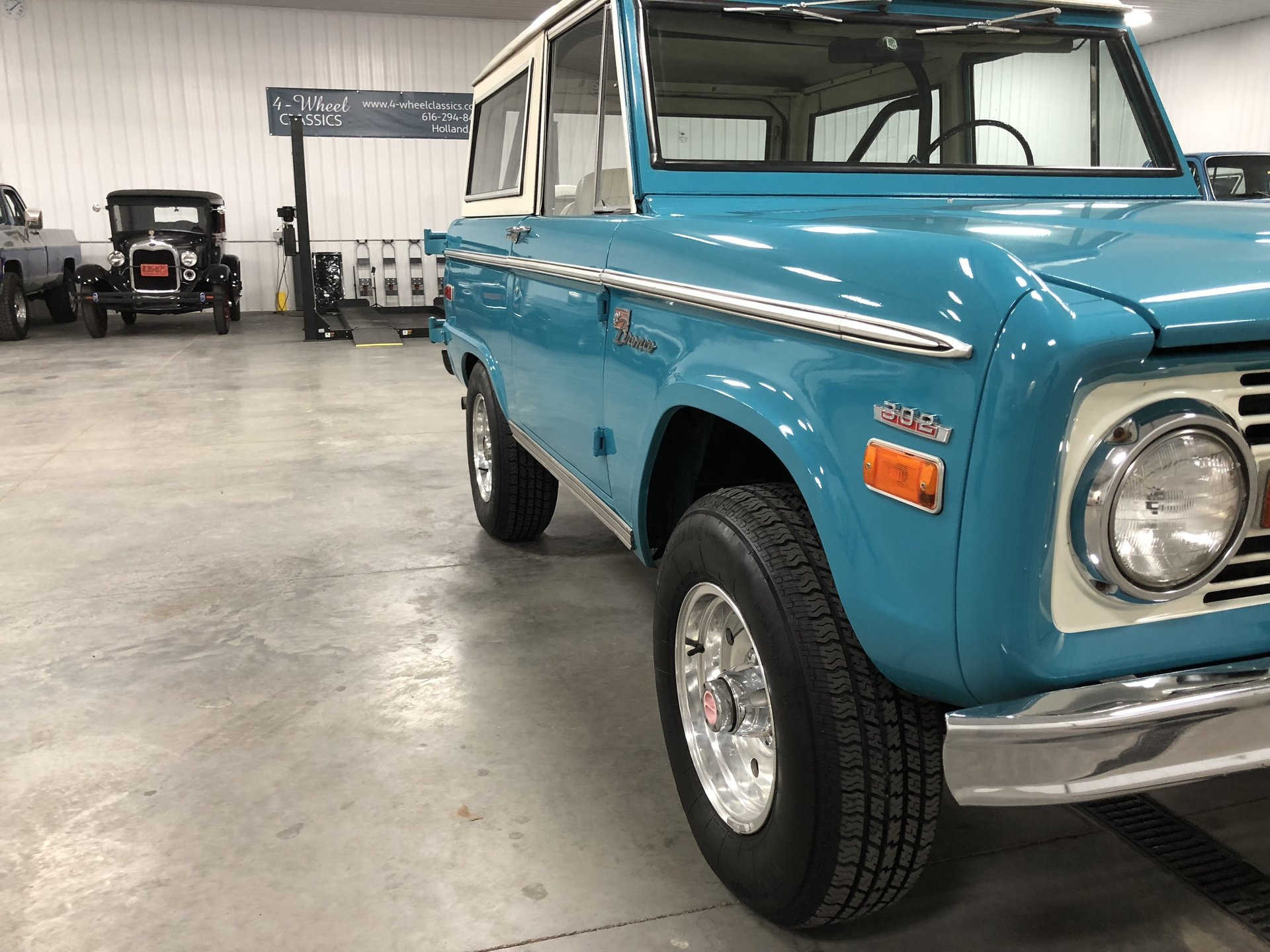 1970 Ford Bronco 4 Wheel Classics Classic Car Truck And Suv Sales Full Size