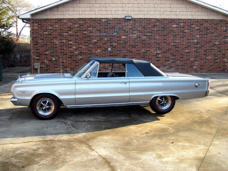 1967 プリムス GTX コンパーチブル