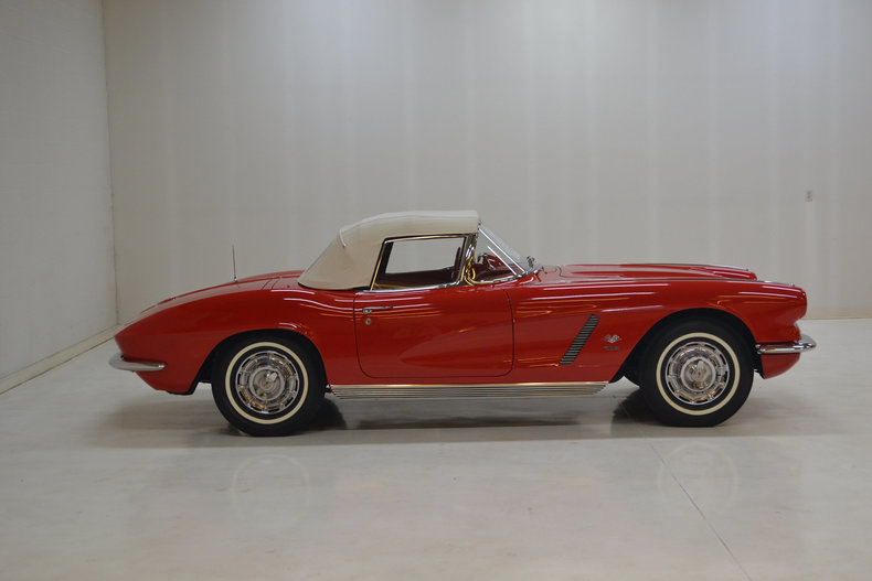 610072417ad32 low res 1962 chevrolet corvette