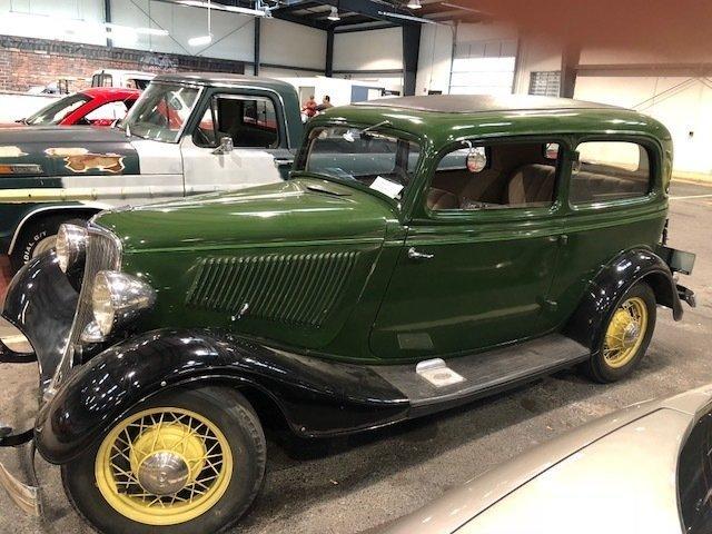 1933 ford tudor gaa classic cars. Black Bedroom Furniture Sets. Home Design Ideas