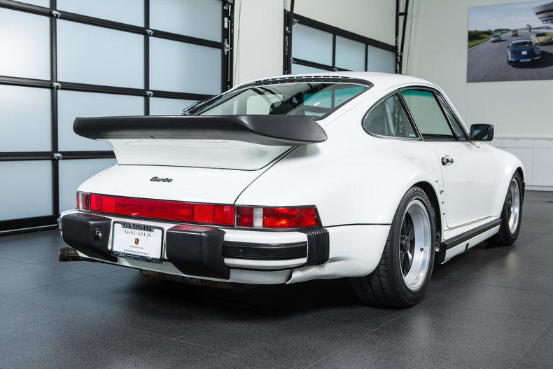 1989 Porsche 911 Turbo Slantnose