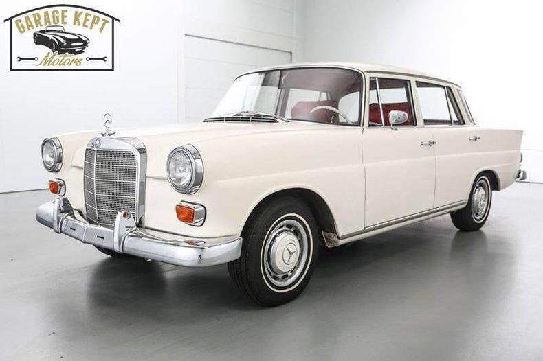 1966 Mercedes-Benz 200D
