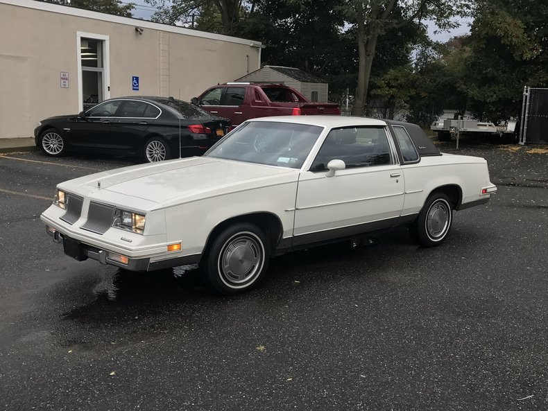 1986 oldsmobile cutlass supreme hollywood motors for Hollywood motors west babylon