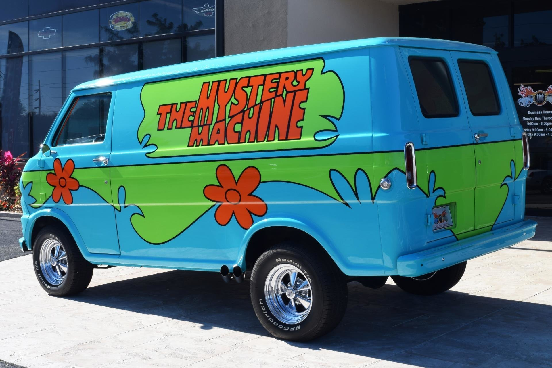 1972 z movie car scooby doo mystery machine for sale 92572 mcg. Black Bedroom Furniture Sets. Home Design Ideas