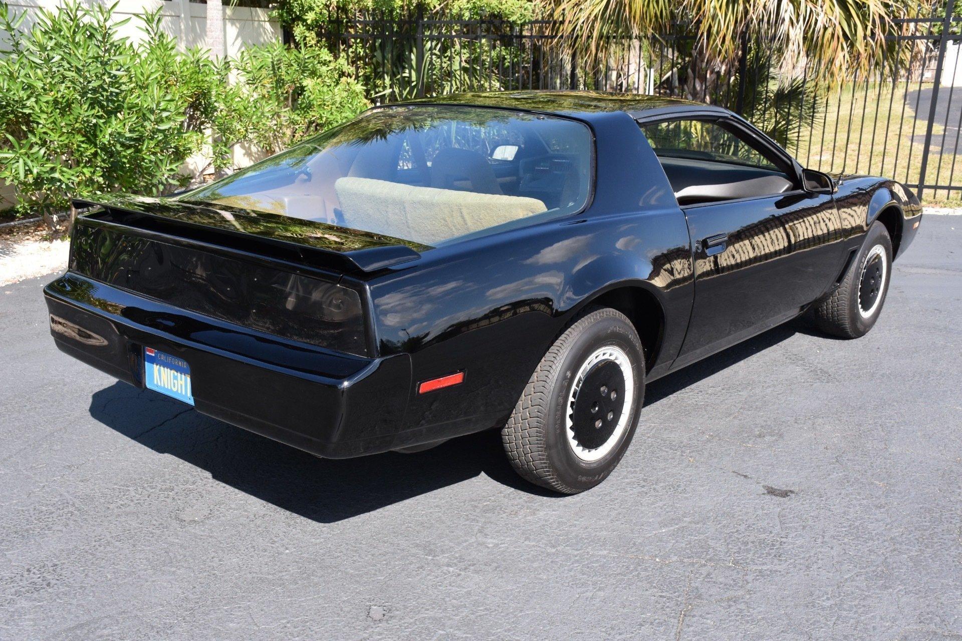 1988 z movie car knight rider kitt ideal classic cars llc. Black Bedroom Furniture Sets. Home Design Ideas