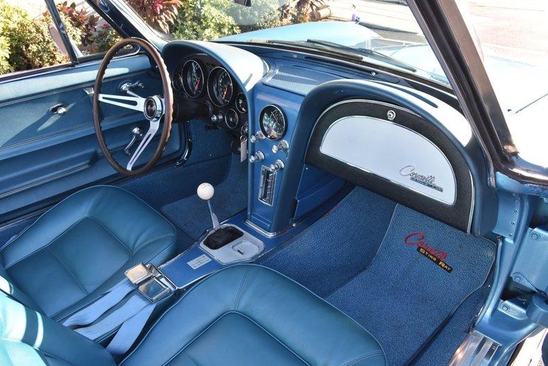 779862506a0 low res 1965 chevrolet corvette