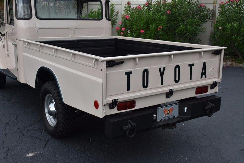 112296c2fe0a8 low res 1967 toyota fj45