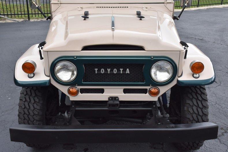 1123352d47992 low res 1967 toyota fj45