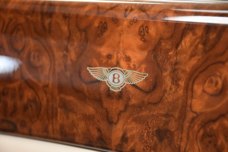 35db8ded51 low res 2003 bentley arnage r