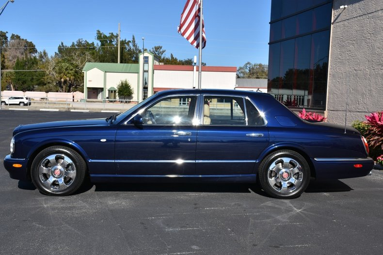 6627db3a4 low res 2003 bentley arnage r