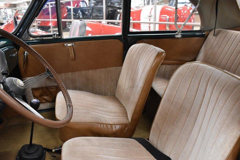 159055e95a84 low res 1967 morris minor