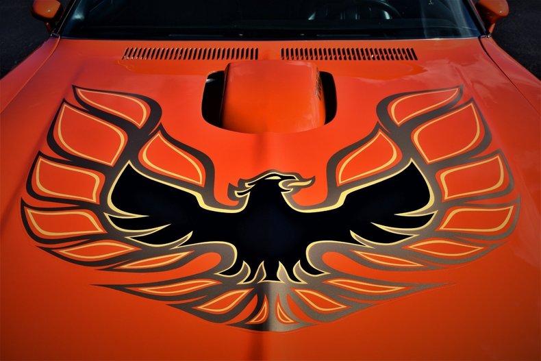 171563df99e8 low res 1976 pontiac firebird
