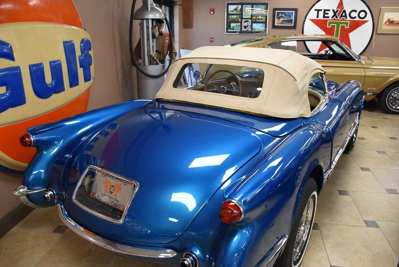 141080ae10333 low res 1954 chevrolet corvette