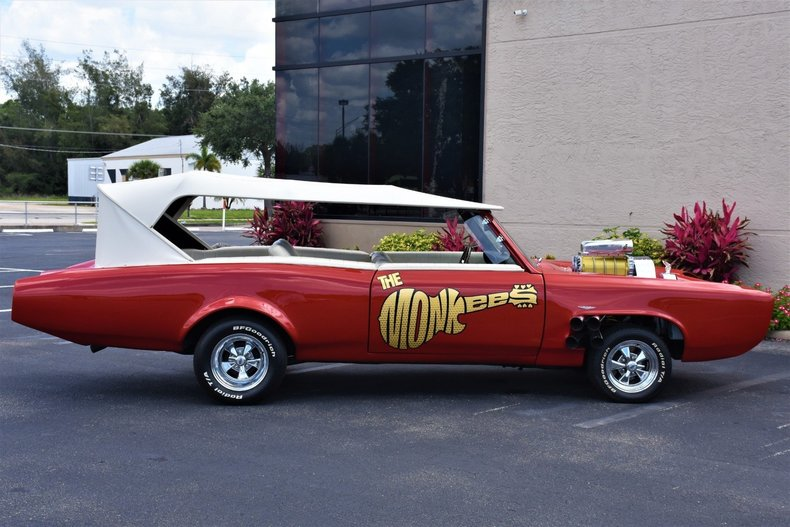 233307079f0b low res 1967 z movie car the monkees mobile