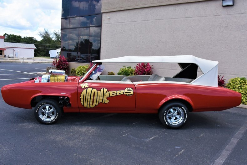 234389633e28 low res 1967 z movie car the monkees mobile