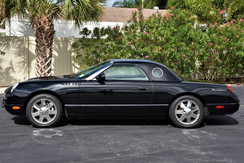 24559498a5a1 low res 2002 ford thunderbird