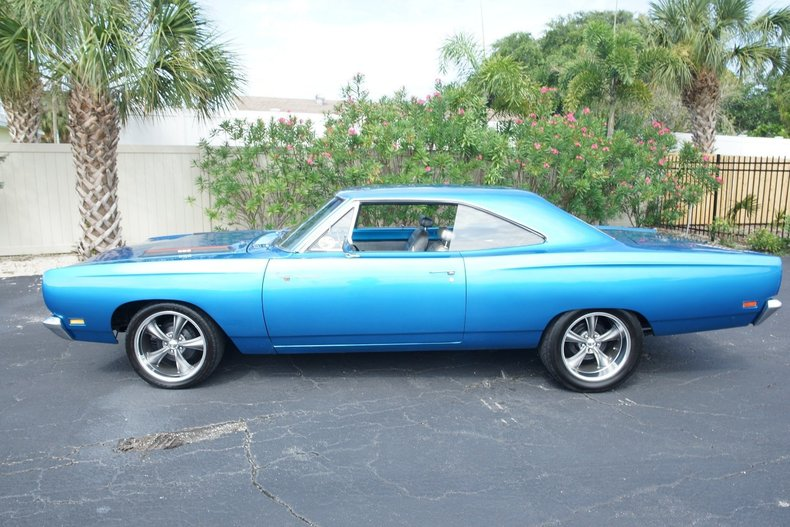 168001d2d107 low res 1969 plymouth roadrunner