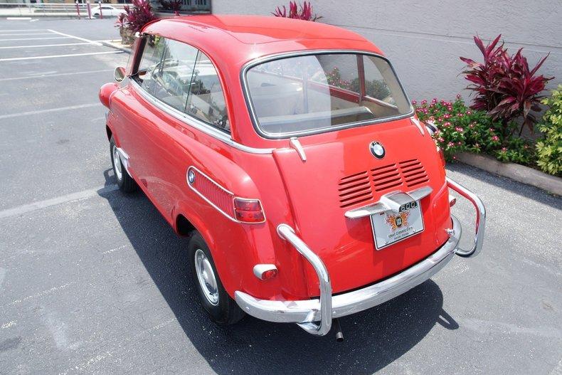 61f2700bb9 low res 1959 bmw isetta 600