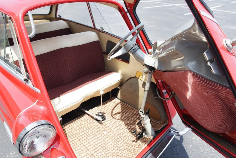 689489300a low res 1959 bmw isetta 600