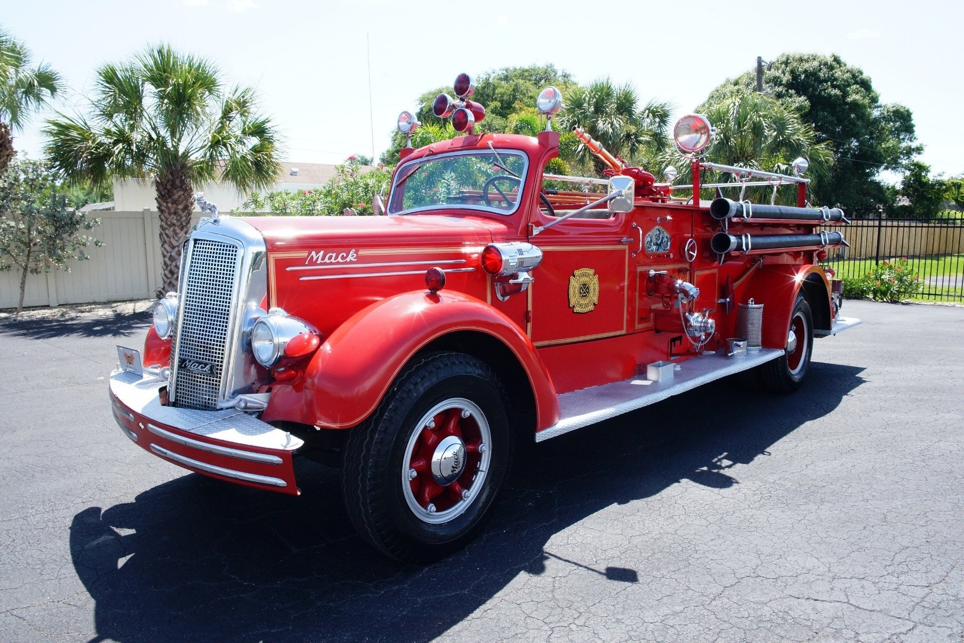 14901174d679 hd 1943 mack model 505 fire truck