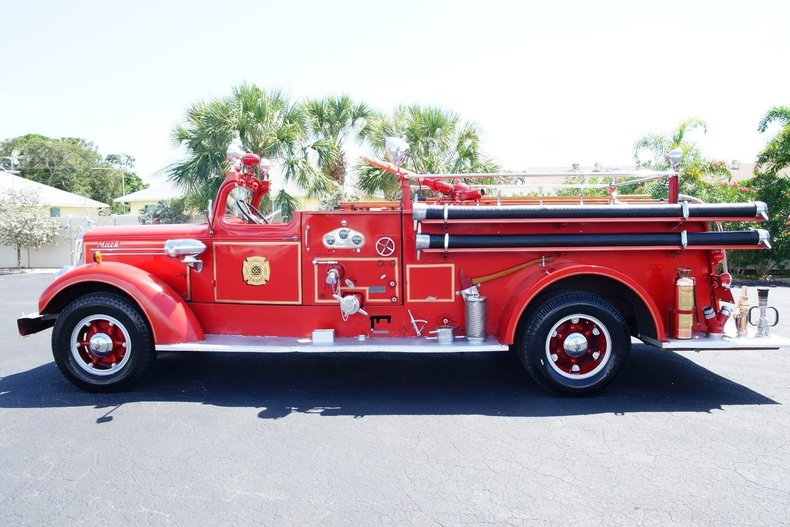 1494efedae07 low res 1943 mack model 505 fire truck