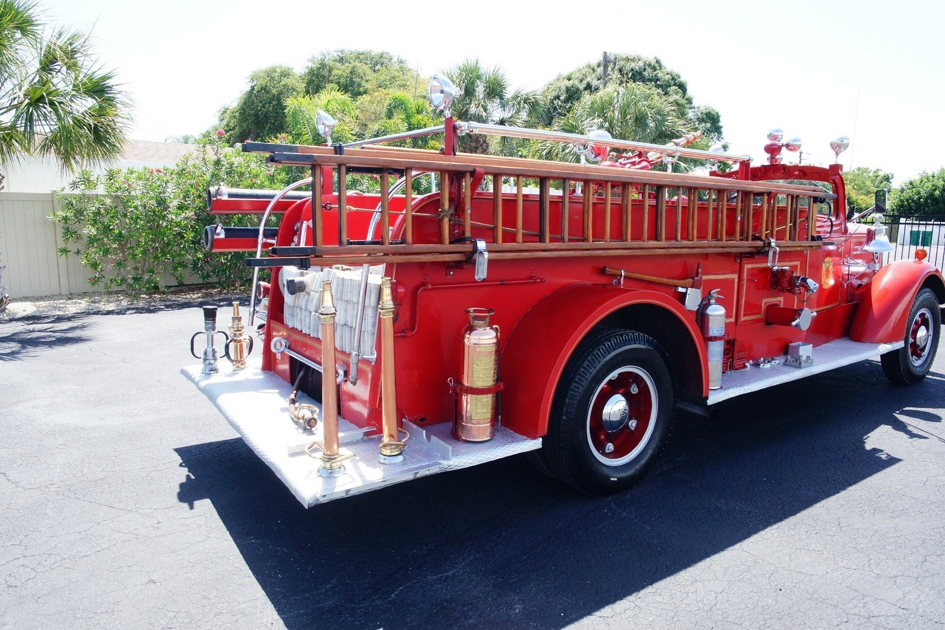 ... 14976535447f low res 1943 mack model 505 fire truck ...