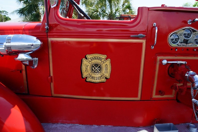 15049c19817e low res 1943 mack model 505 fire truck