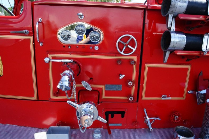 1505e94348a0 low res 1943 mack model 505 fire truck