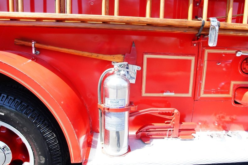 1509e01b1aff low res 1943 mack model 505 fire truck
