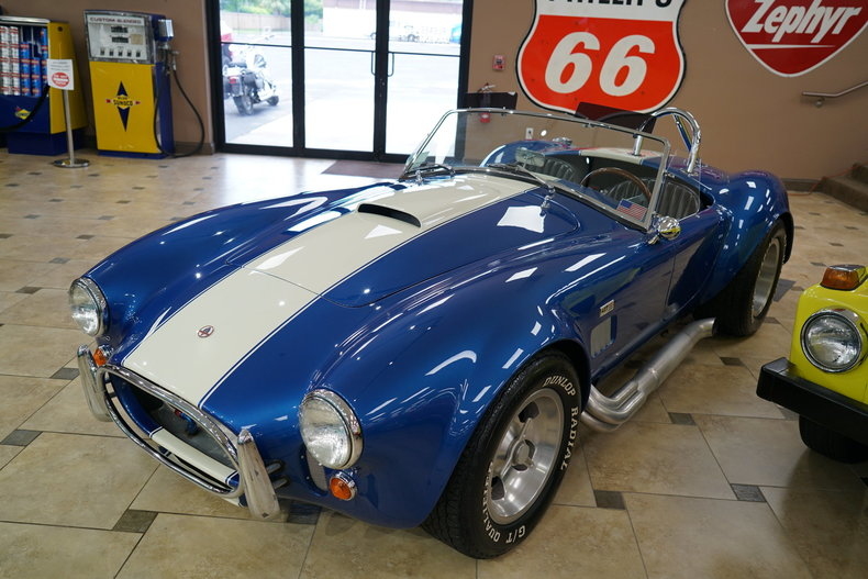 1336889ccac11 low res 1966 shelby cobra