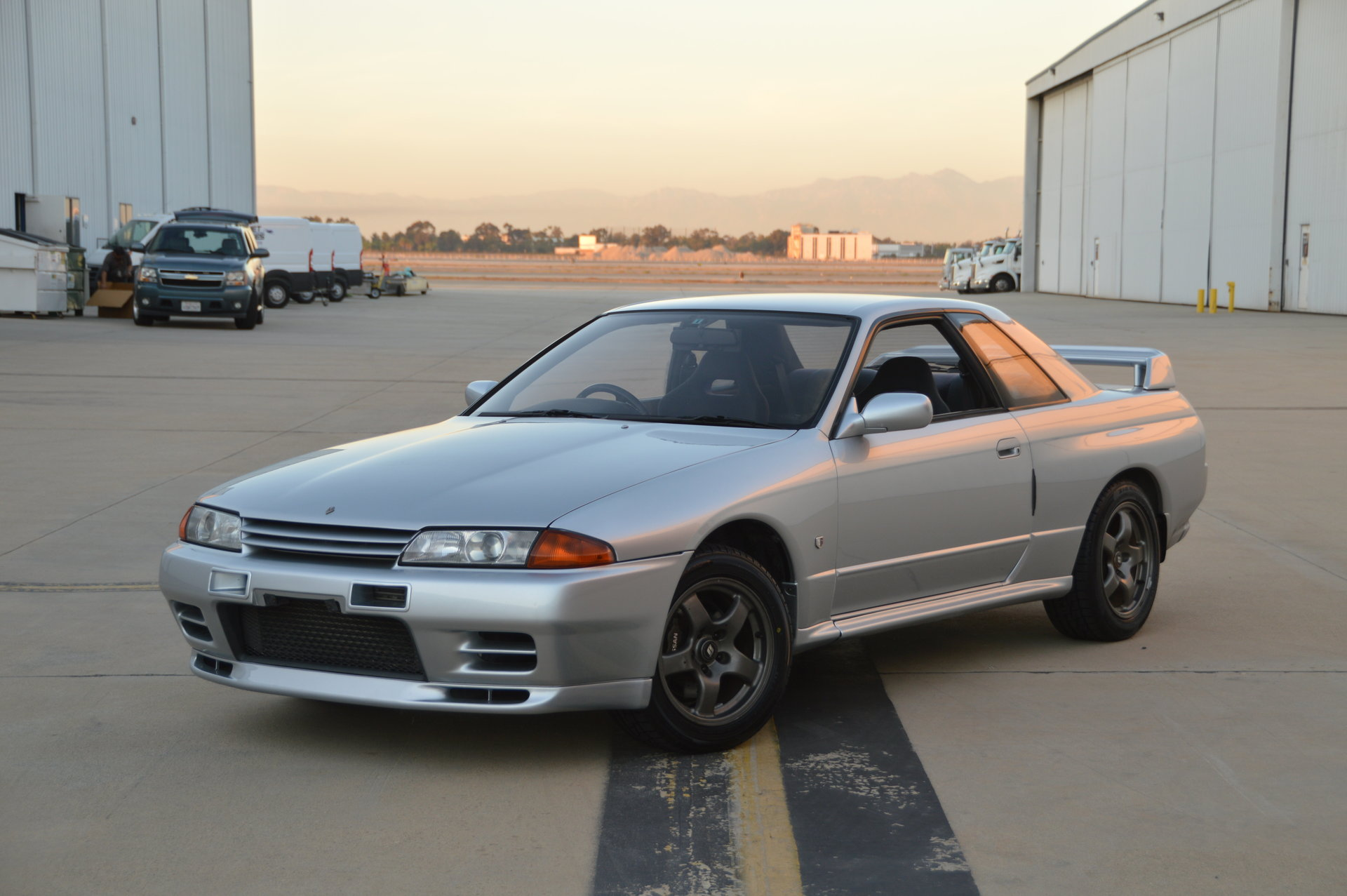 Nissan skyline deals