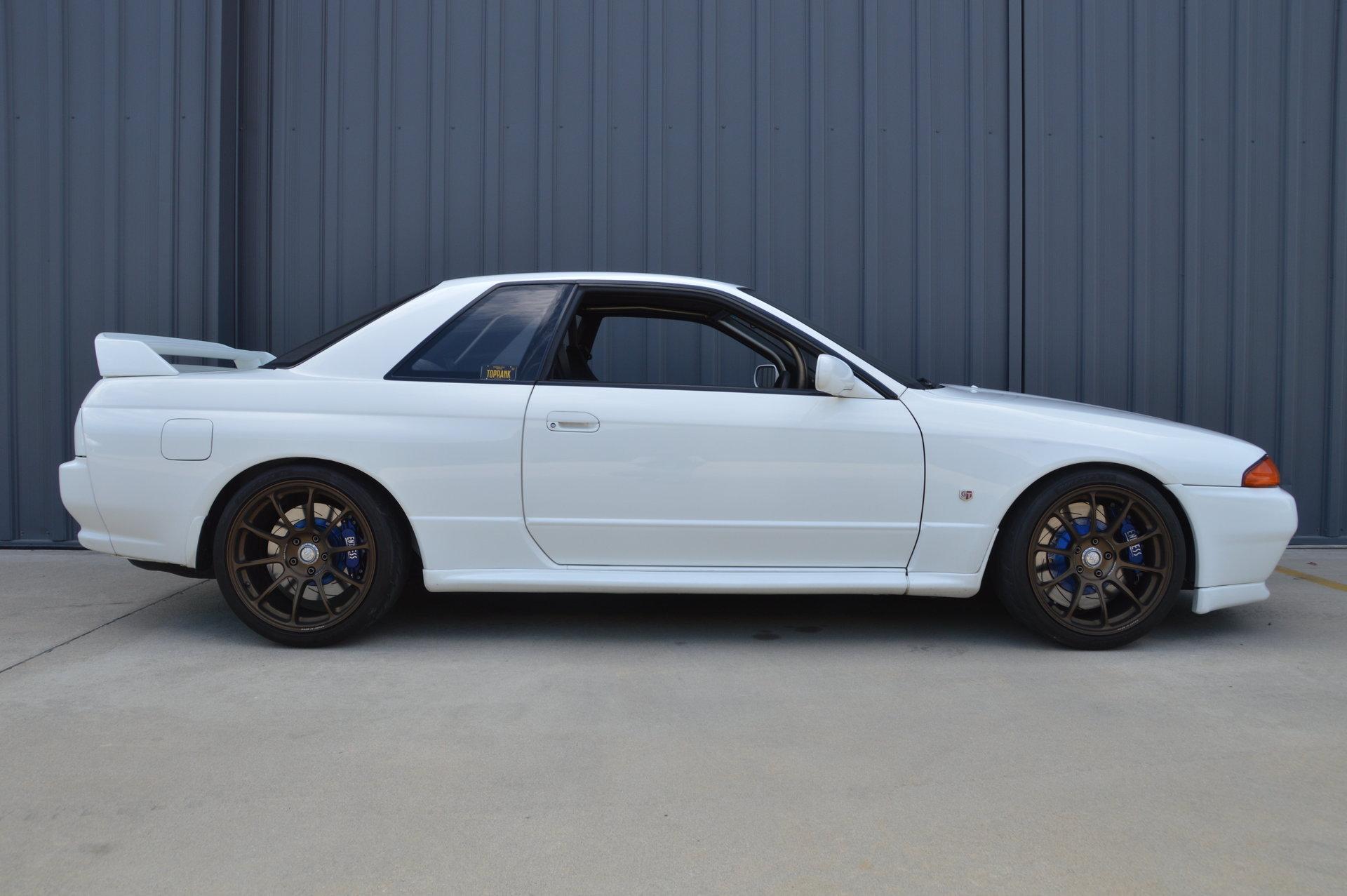 C Hd Nissan Gt R