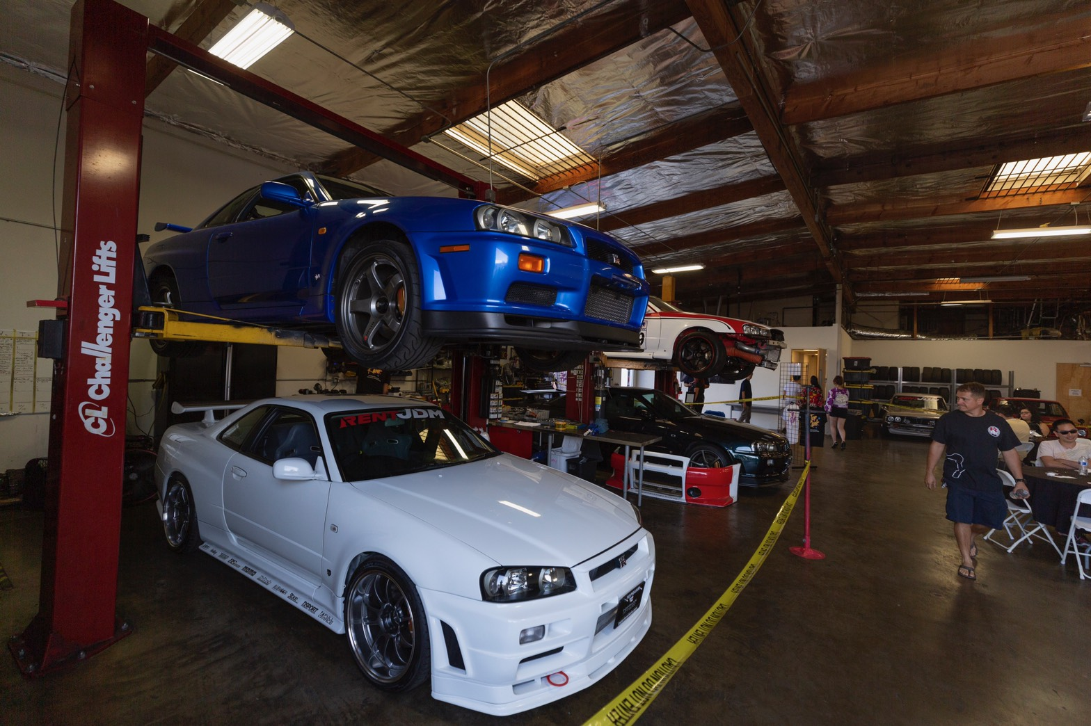 R34 GT-R Motorex white and Bayside Blue