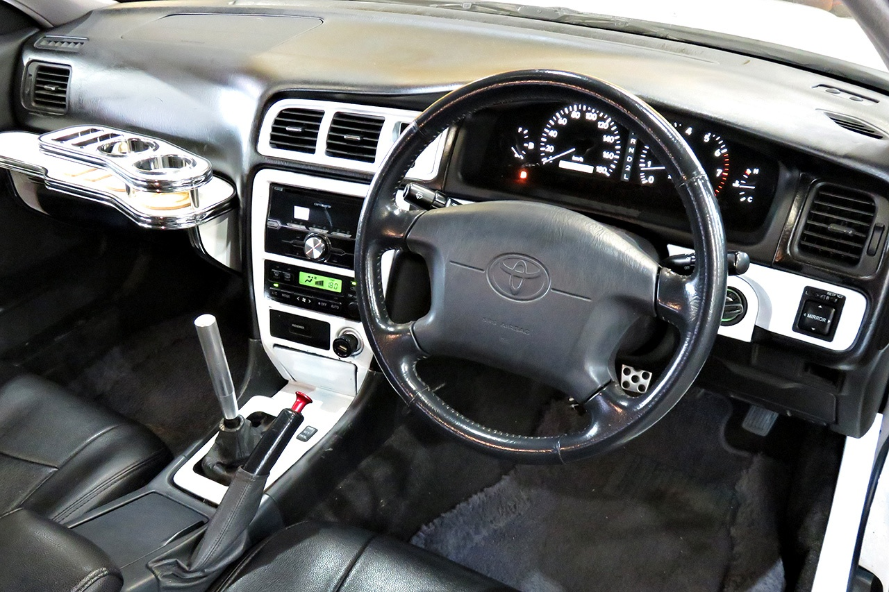 JZX100 Toyota Chaser interior : The JDM Chaser turns 25 years old starting in 2021