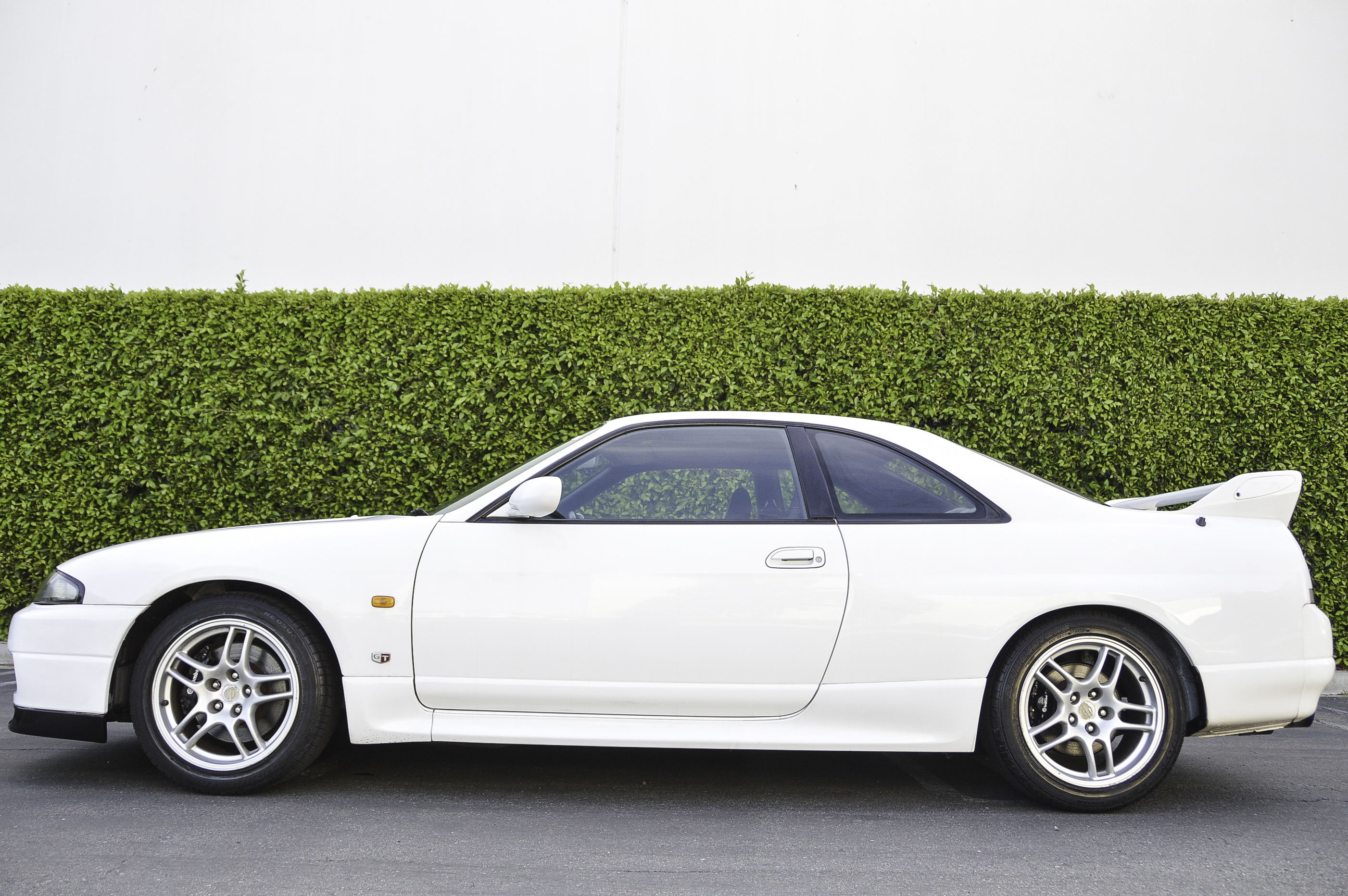What wheels fit on an R33 GT-R?