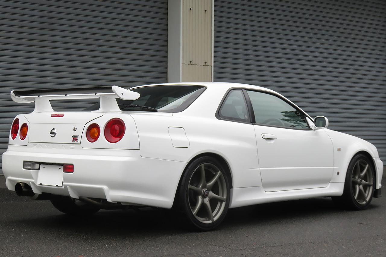 2002 NISSAN SKYLINE GT-R FOR SALE IN JAPAN   8853 km