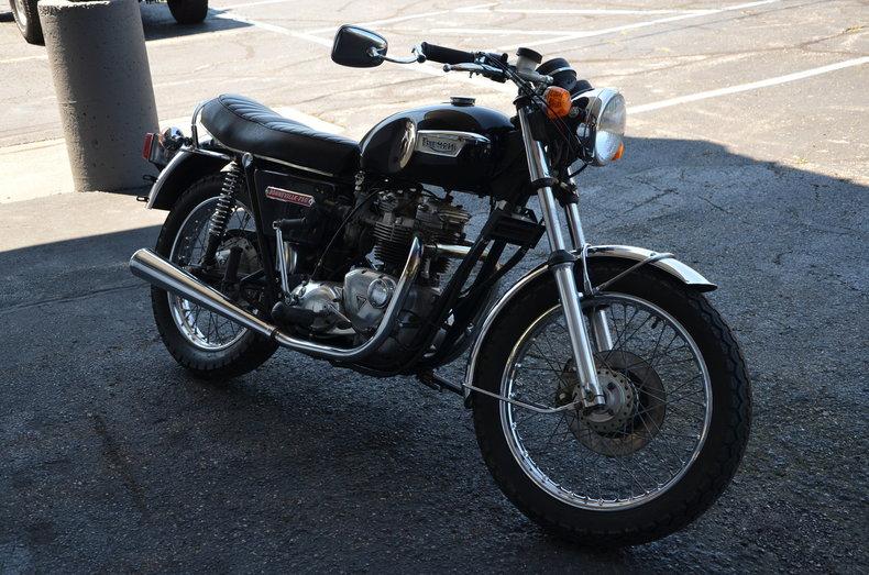 1973 Triumph T140