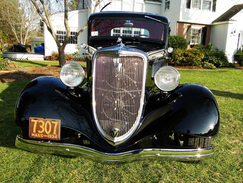 1934 Ford 5 Window Deluxe Coupe