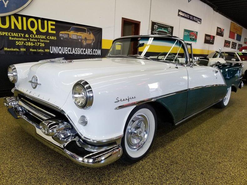 1954 Oldsmobile Starfire