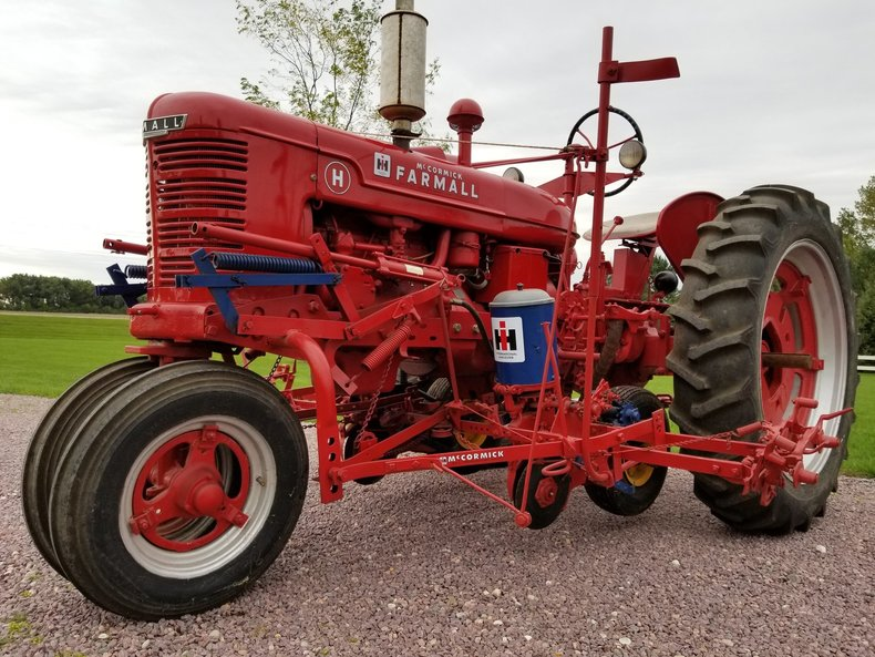 1947 International H with Planter