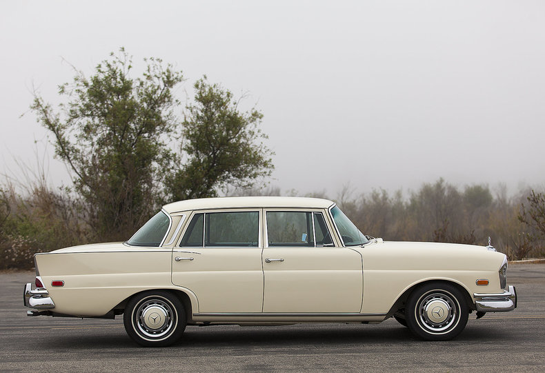 1968 Mercedes-Benz 230S For Sale