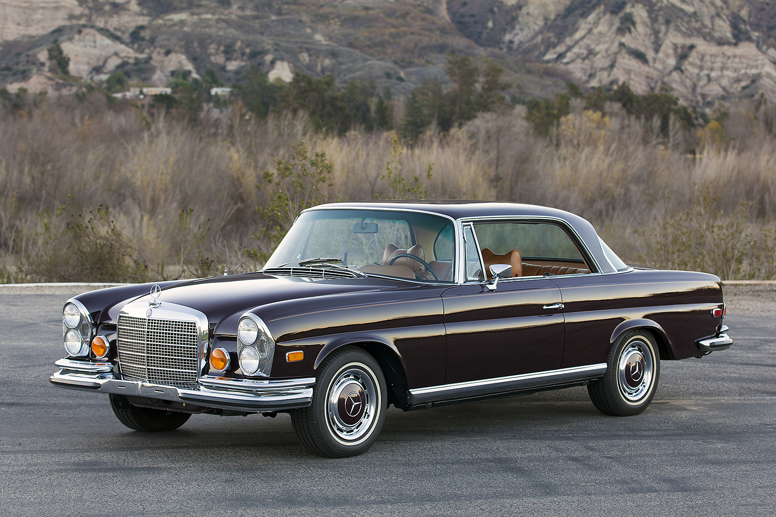 1971 mercedes benz 280se 3 5 mbclassics for Mercedes benz classics for sale