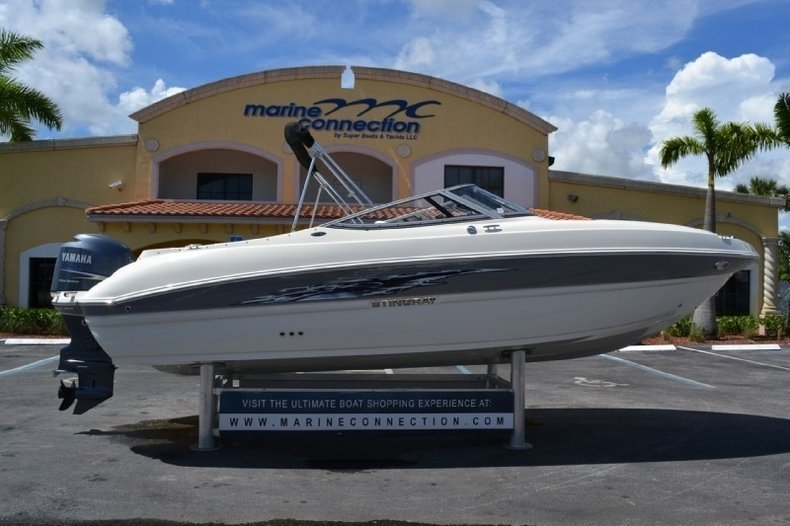 New 2013 stingray 234 lr outboard bowrider boat for sale for Bowrider boats with outboard motors