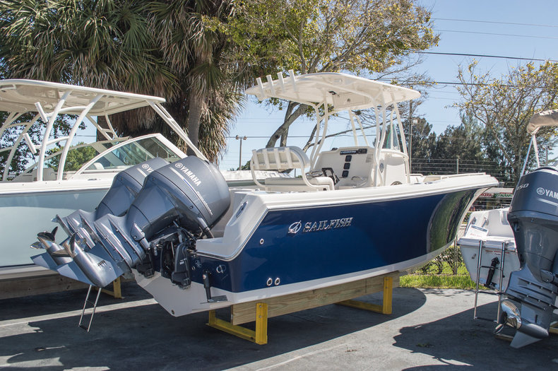 New 2015 Sailfish 240 CC Center Console boat for sale in Miami, FL