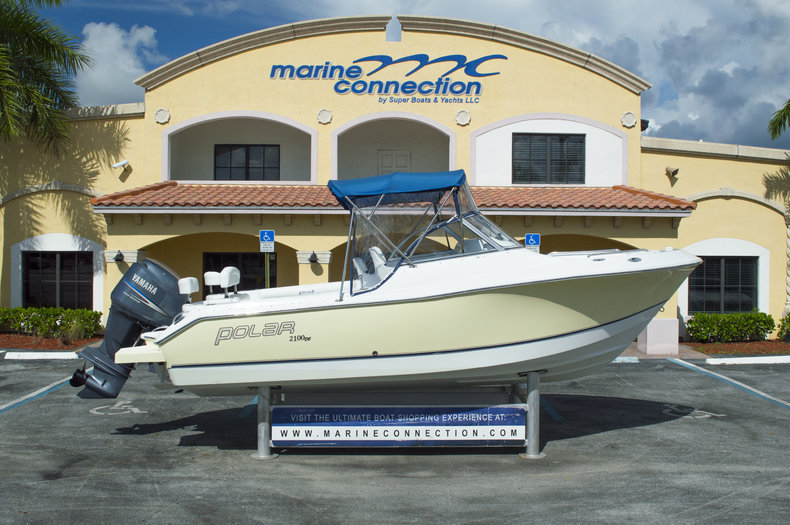 Used 2006 Polar 2100 DC boat for sale in West Palm Beach, FL