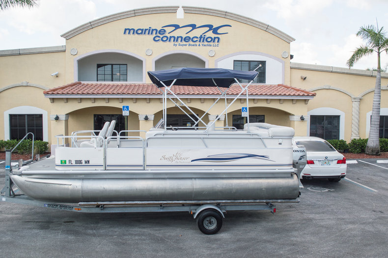Used 2005 Sun Chaser 820 Fish RE Pontoon boat for sale in West Palm Beach, FL