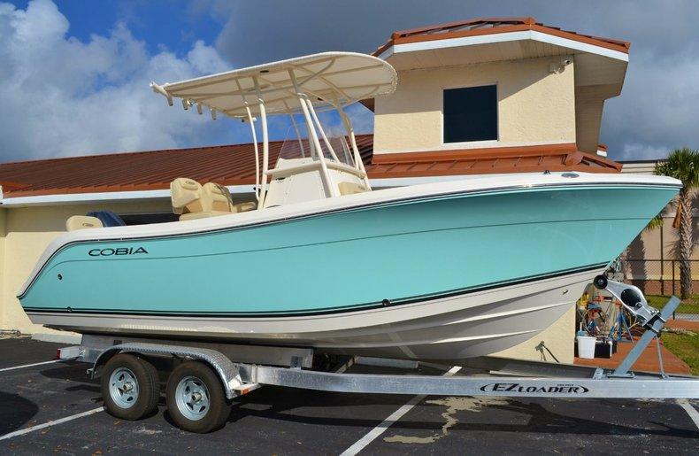 New 2015 Cobia 217 Center Console boat for sale in Vero Beach, FL