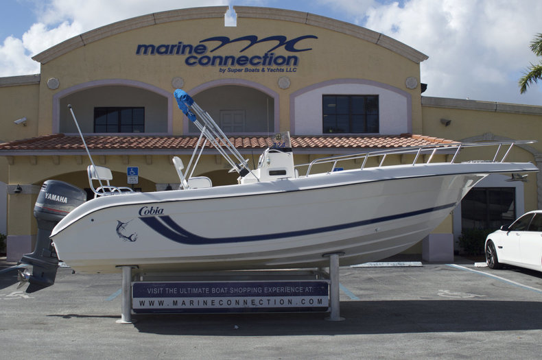 Used 2000 Cobia 224 Center Console boat for sale in West Palm Beach, FL